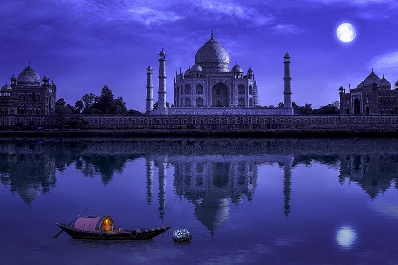 Taj Mahal de noche